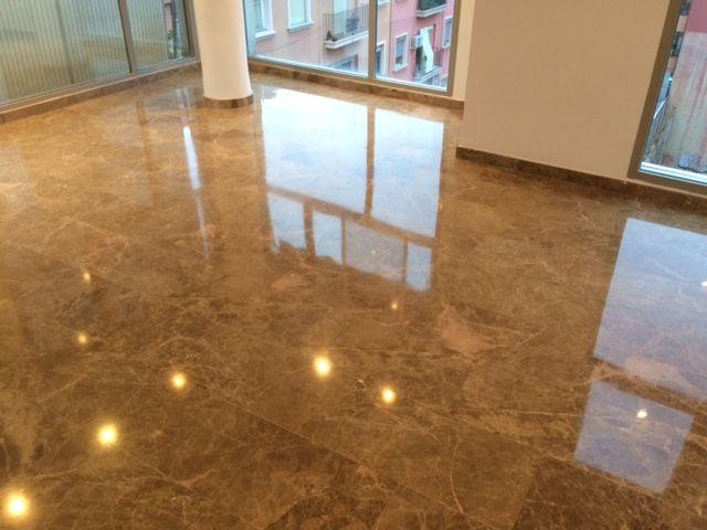 Diamantado terrazo vga servicios y limpiezas for Como limpiar pisos de marmol y granito