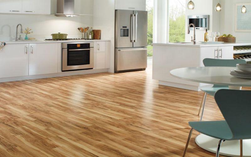 Te contamos cuáles son los suelos más fáciles de limpiar para la cocina
