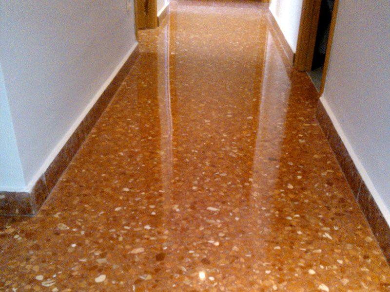 Cristalizado Producto abrillantado suelos - VGA Empresa de Limpieza en Valencia