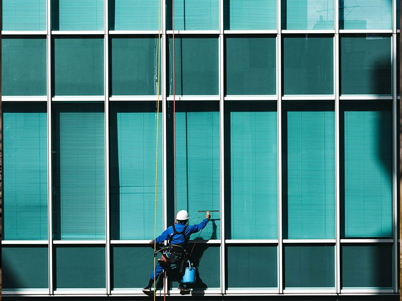 Limpieza de Cristales - VGA empresa de limpieza en Valencia