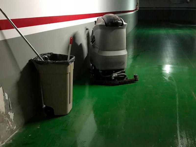 Limpieza de garajes en Valencia - Fregadora y Limpiadora- VGA Servicios de limpieza