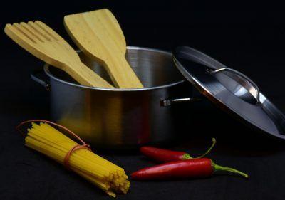 Cómo limpiar una olla quemada y dejarla como nueva