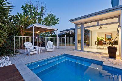 5 claves para limpiar la piscina en verano