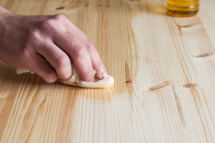 5 consejos para cuidar muebles de madera (y prolongar su vida útil)