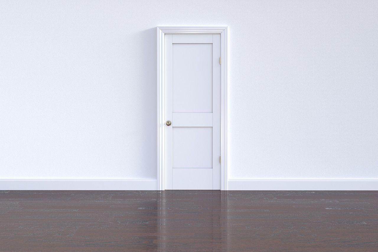 Cómo evitar que chirríen las puertas de tu casa con estos trucos