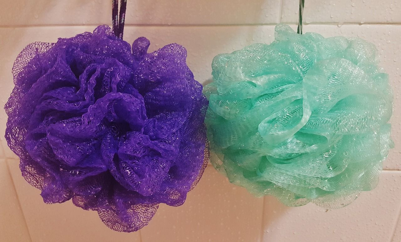 ¿Es recomendable usar esponja de baño a la hora de ducharse?