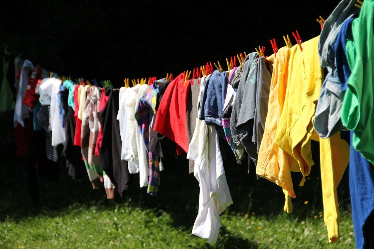 Los mejores trucos para quitar el óxido de la ropa