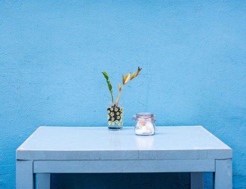 Trucos para arreglar una mesa coja de forma sencilla