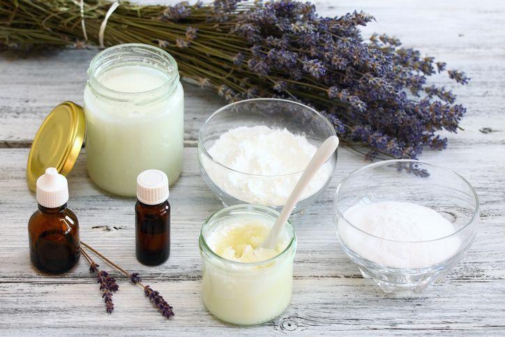 Cómo hacer tu propio desodorante casero con productos naturales
